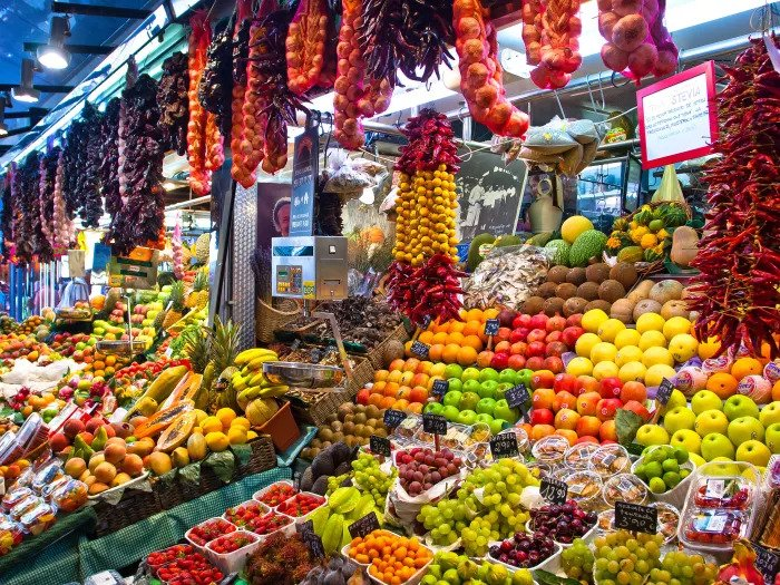Фруктово-овощной рынок в Барселоне