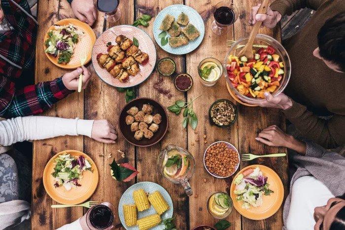 Ешьте здоровую пищу и наслаждайтесь дорогой
