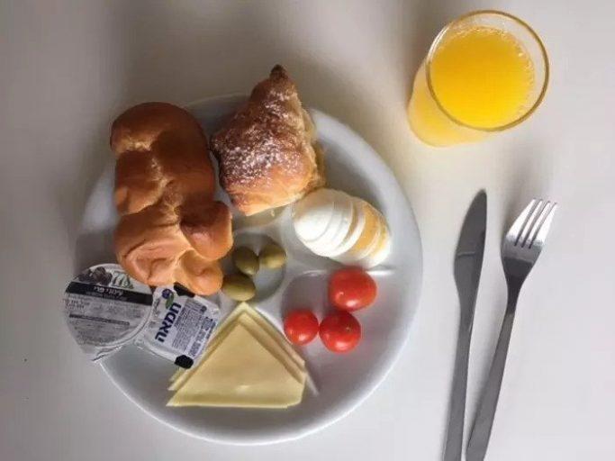 Да, это важно Но у кого есть время по утрам? Завтрак