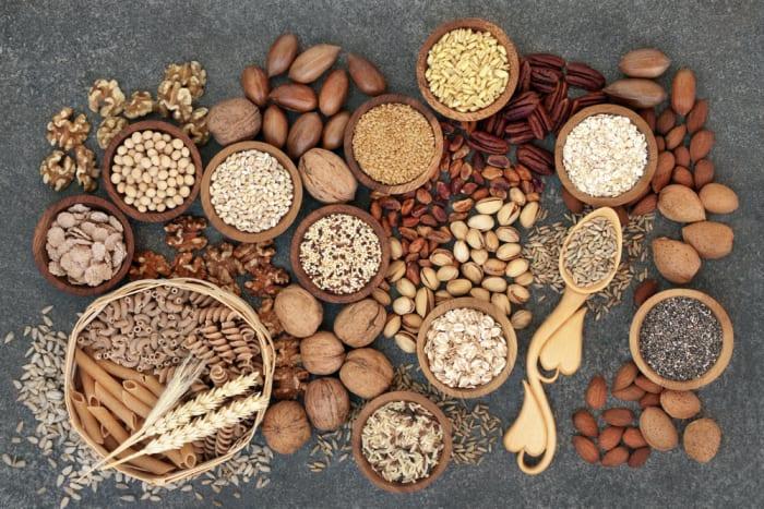 Цельное зерно является отличным источником клетчатки, витаминов, минералов и фито-питательных веществ. Цельное зерно (Иллюстрация: shutterstock)