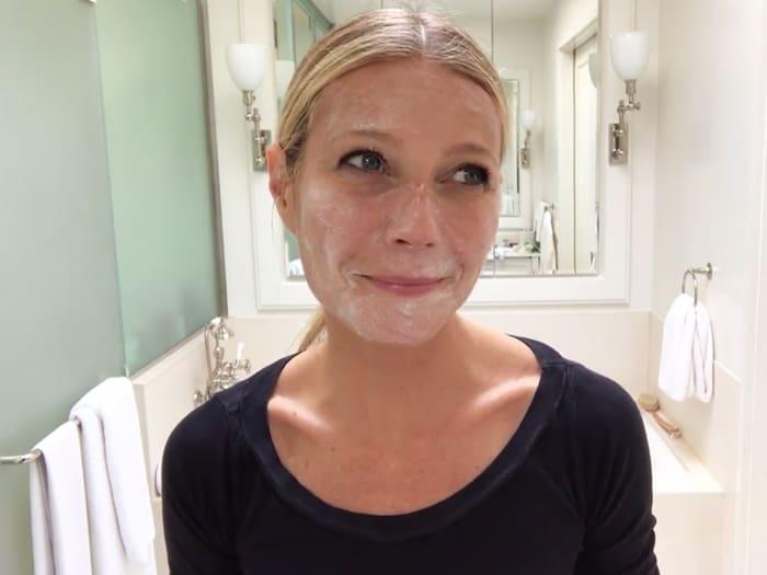 Руководство Гвинет Пэлтроу по светящейся коже (официальный скриншот Vogue на YouTube)