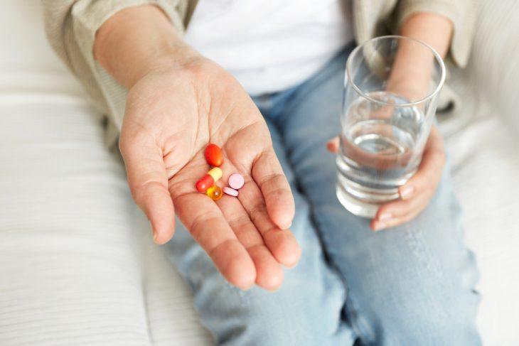 Бесконтрольный прием ряда медикаментов