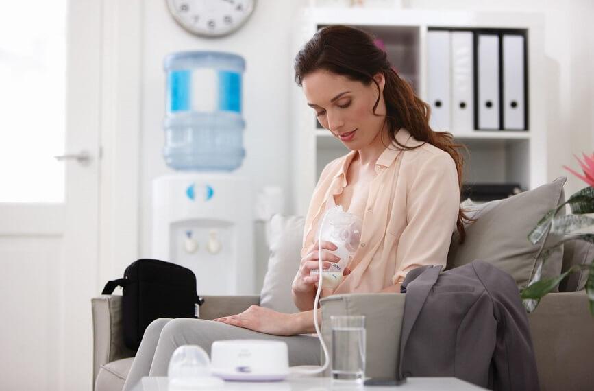 мама может сцеживать молоко даже на рабочем месте