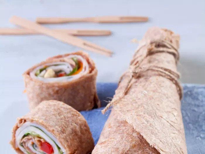 Сэндвич Полная пшеничная лепешка с пастрами