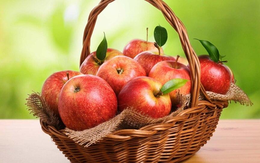 яблоки красных сртов считаются наиболее аллергенными