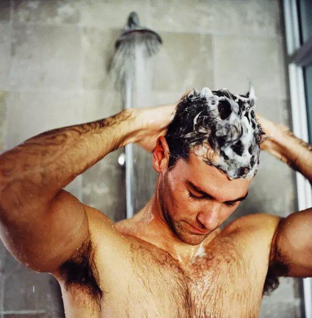 Мыть волосы каждый день