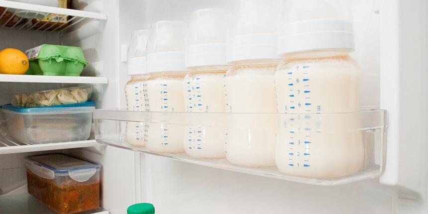 хранить грудное молоко на дверцах холодильника не рекомендуется