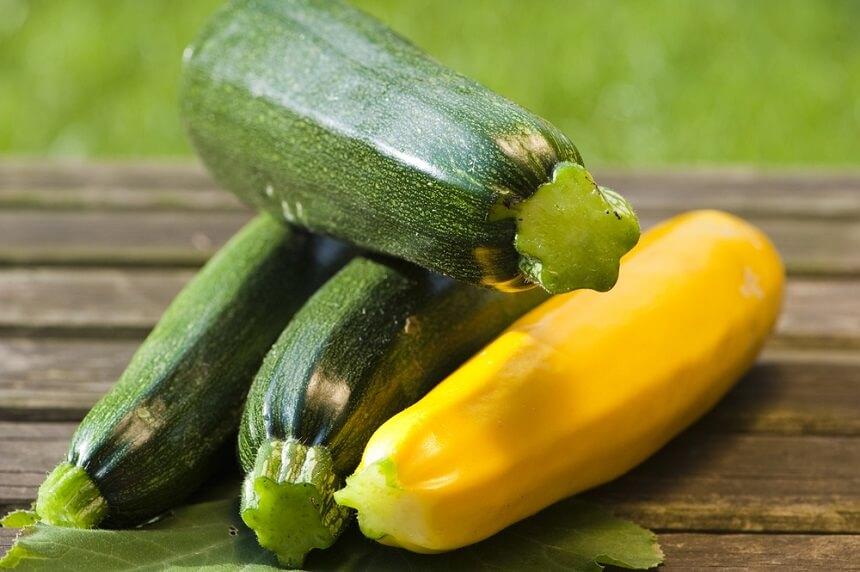 для прикорма выбирают плоды зелёного или белого цвета