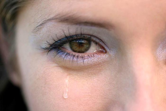 слезотечение из глаз