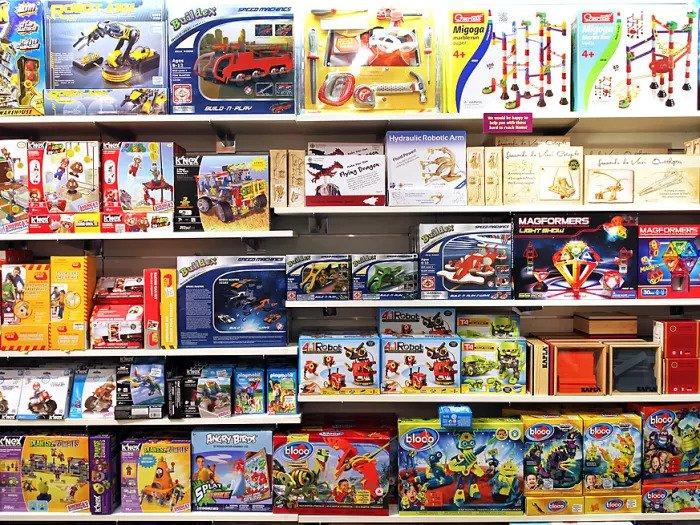 Магазин игрушек в Торонто, Канада