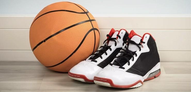 Баскетбол для детей: правильно выбираем кроссовки