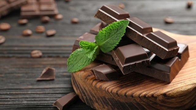 Темный шоколад Та же калорийность, что и у молочного шоколада - лучше пиар