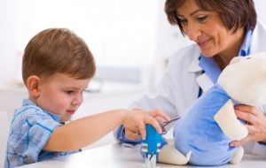 Поспешите к детскому офтальмологу