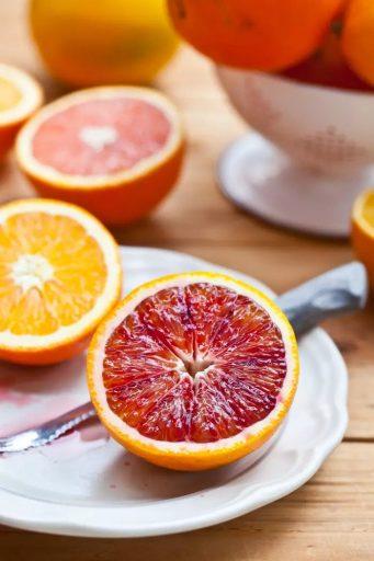 Кора содержит в 5 раз больше витаминов. Кровавые апельсины