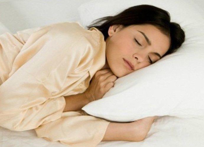 Отеки после сна могут возникать по разным причинам