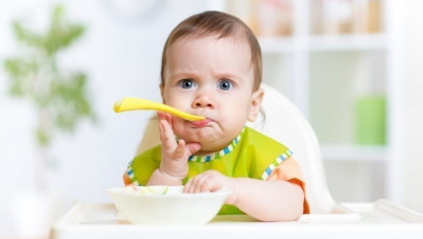 манка обладает высокими вкусовыми качествами и малыши с удовольствием её едят