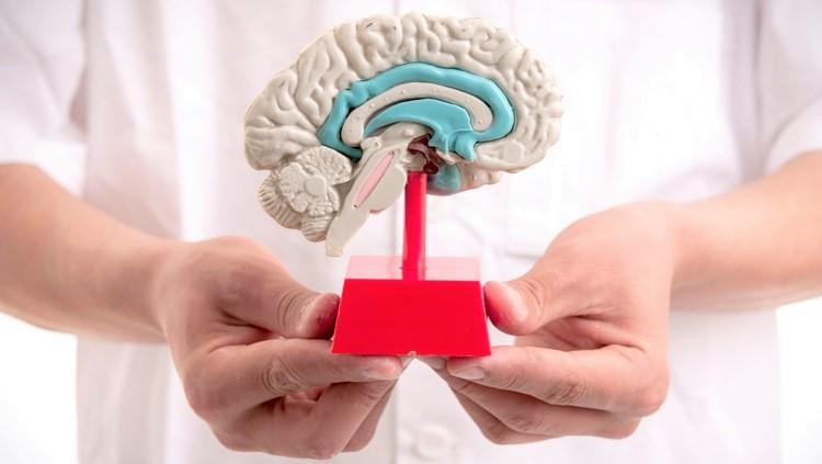 Посетить невролога