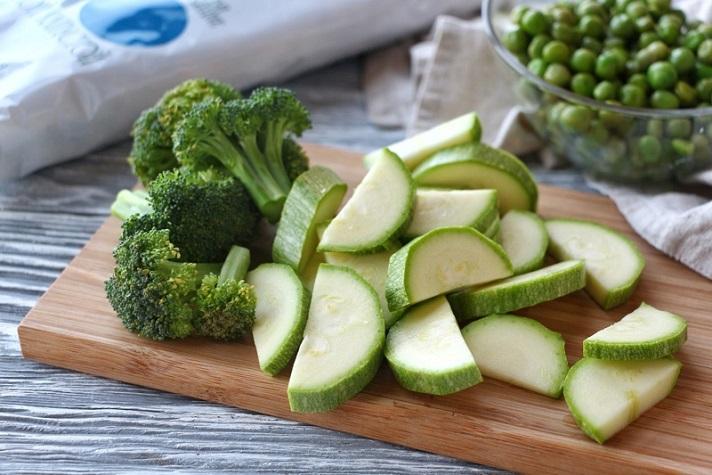 крупно нарезанные овощи варятся дольше