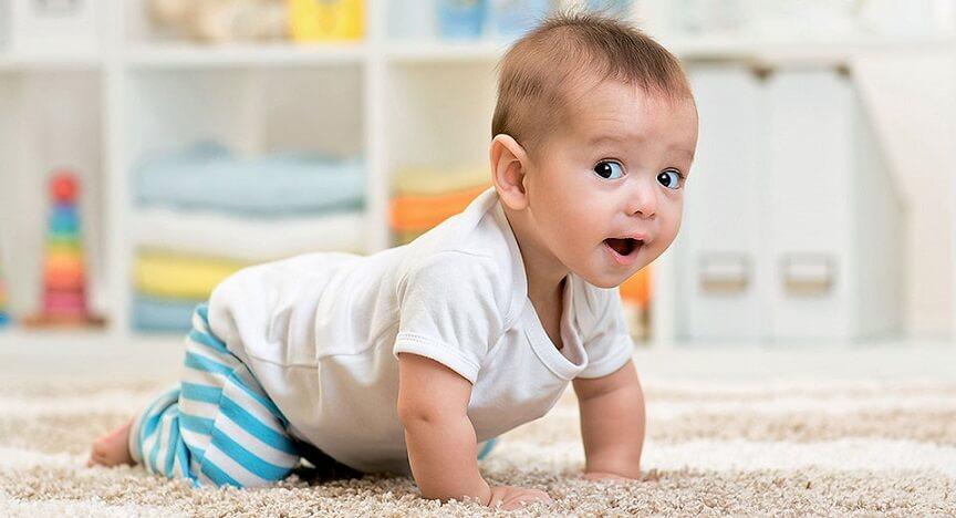 малыш интенсивно развивается физически