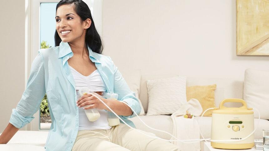 отдвать предпочтение ручному сцеживанию или при помощи прибора - решает мама