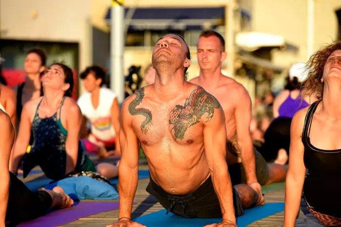 Международный день йоги в порту Тель-Авива 22 июня