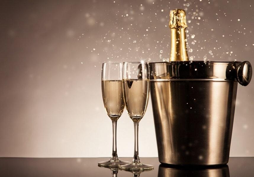шампанское не рекомендуют употреблять при кормлении ребенка грудью