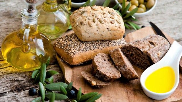 Хлеб и оливковое масло. Здоровые источники питания