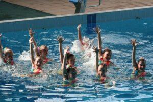 Синхронное плавание для девочек