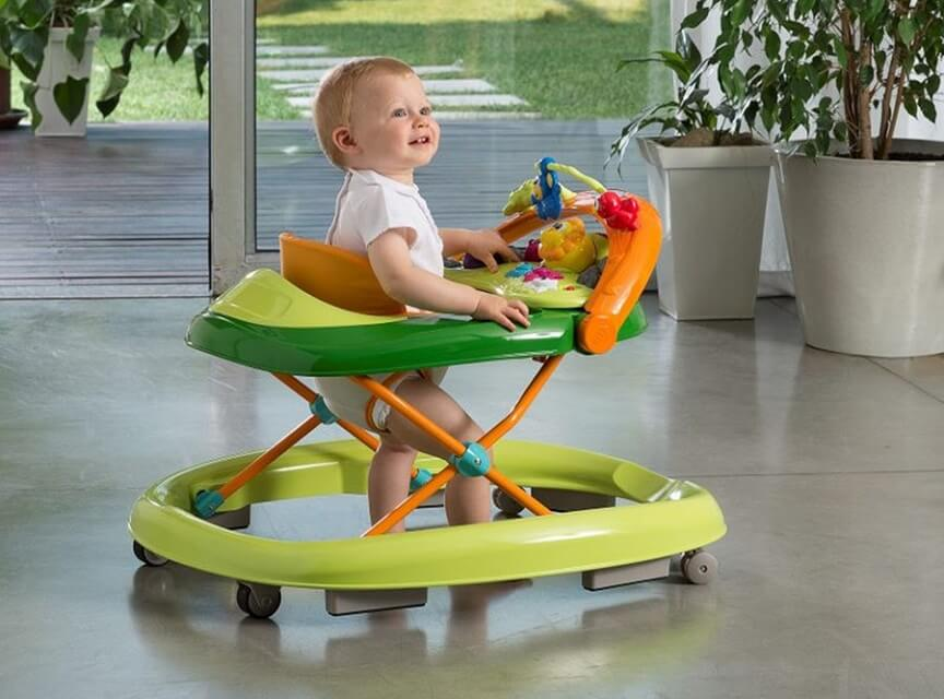 ходунки способны облегчить маме уход за малышом