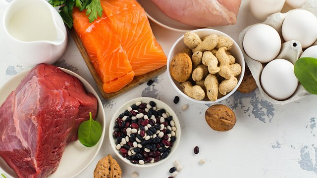 Рыба, мясо, курица и орехи. стиль жизни