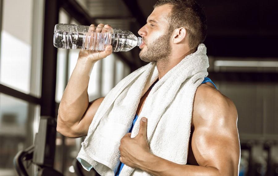 Необходимо пить воду после тренировки, направленной на увеличение мышечной массы