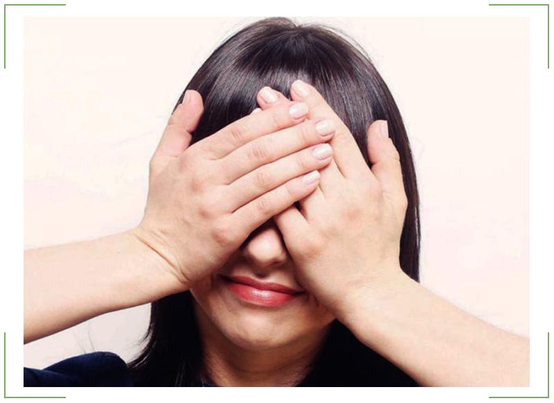 Пальминг рекомендуется для снятия усталости и напряжения глаз.