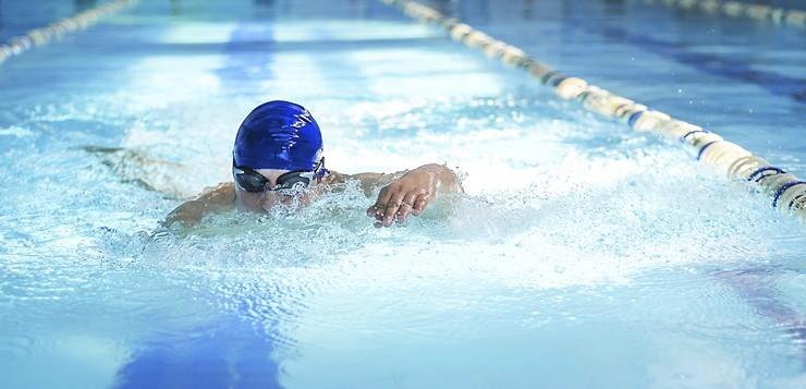 Ребенок-пловец