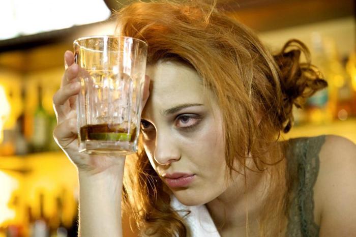Красные глаза от алкоголя