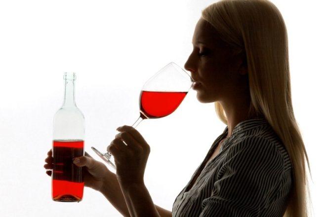Можно ли пить алкоголь кормящей маме: пиво, вино, шампанское и пр.
